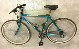 Mongoose bicycle with 700x38 tires, 3x7 speeds
