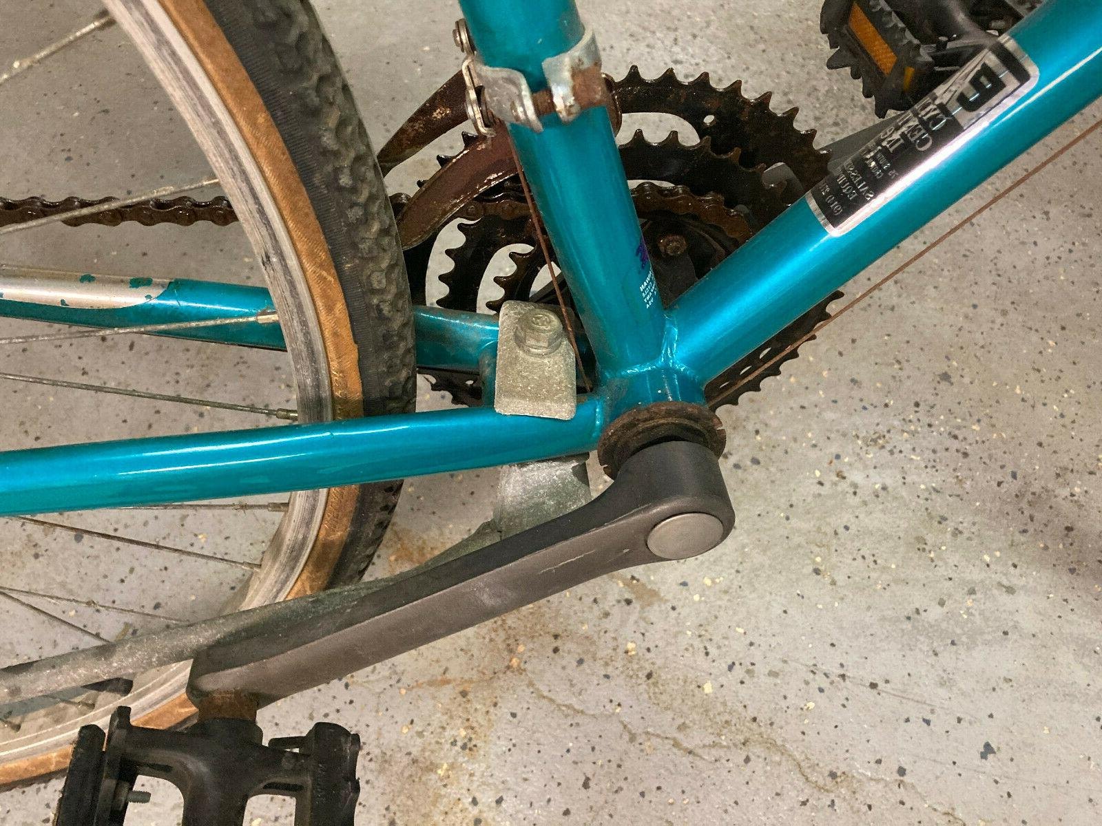 Mongoose with 700x38 tires, speeds